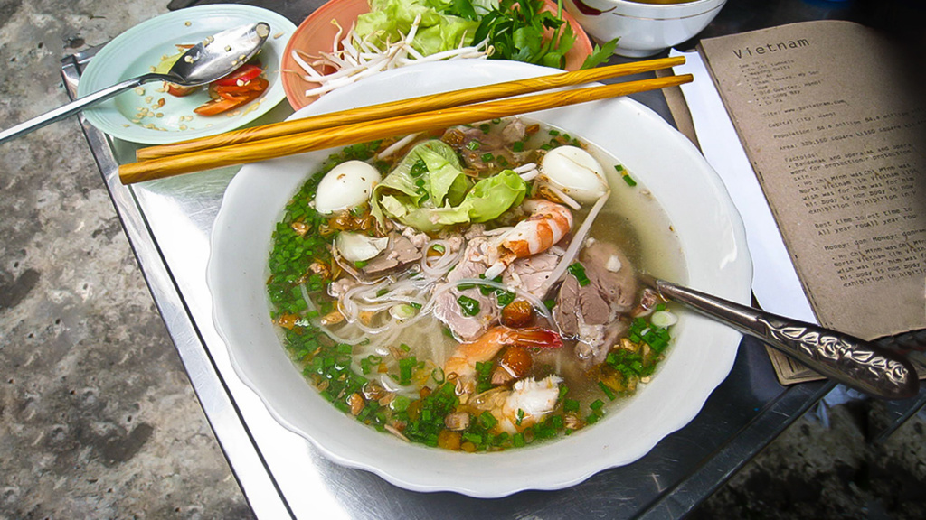 Hu Tieu Nam Vang - Pork soup with meat