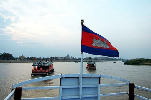 Cruise Phnom Penh and Siem Reap