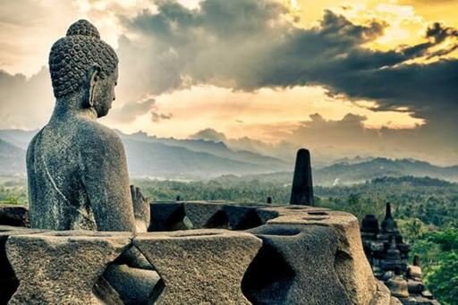 Grand Tour of Indonesia: From Borobudur to Sulawesi